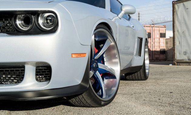 Dodge Challenger SRT получил эффектную «обувку» (ФОТО)