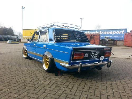 Полнейшая реставрация: в Британии продают необычный ВАЗ-2103 (ФОТО)
