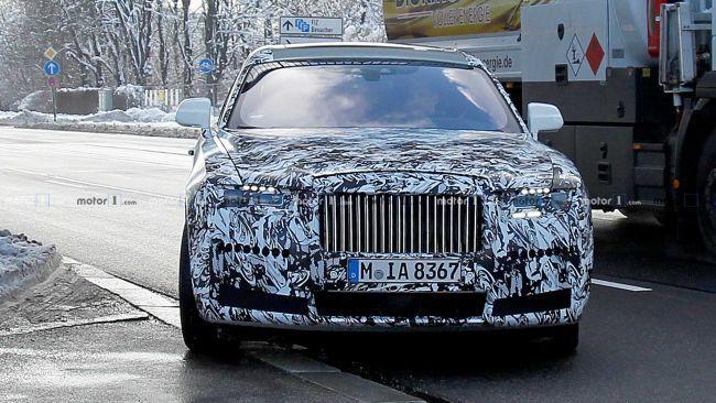 Rolls-Royce Ghost следующего поколения попал на шпионские снимки в Мюнхене (ФОТО)