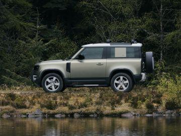 Опубликованы фотографии укороченного Land Rover Defender 90 с V8