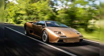 Суперкар Lamborghini Diablo празднует 30-летний юбилей
