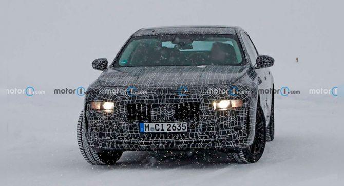 Новая версия BMW 7-Series вышла на зимние тесты