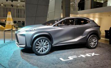 Компактный кроссовер Lexus NX нового поколения впервые замечен на тестах