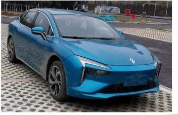 Опубликованы первые фото нового электромобиля от Renault