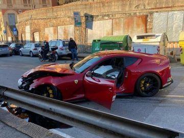 Работник автомойки разбил Ferrari футболиста
