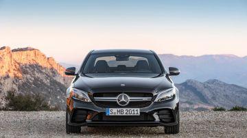 Mercedes-Benz отзывает 270 тыс. авто C-Class по всему миру из-за риска возгорания