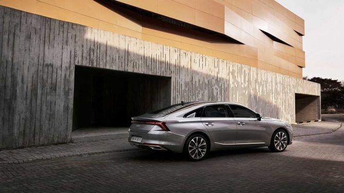 Kia представила абсолютно новый роскошный седан K8