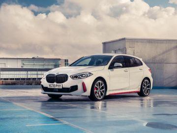 BMW выпустила серию атмосферных фото BMW 128ti после британского дебюта