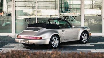 В Париже на аукцион выставлен эксклюзивный кабриолет Porsche Диего Марадоны