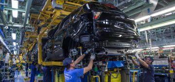 В США автопроизводители приостановили работу из-за морозов