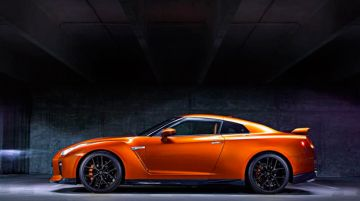 Nissan GT-R станет гибридным
