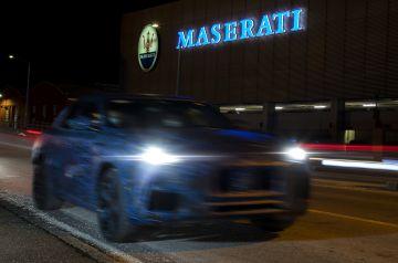 Maserati Grecale показался на тизерах