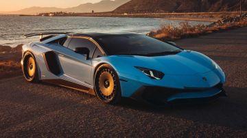 Lamborghini Aventador получил колесные диски в стиле ретро