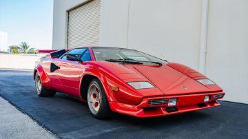 На аукцион выставили редкий Lamborghini Countach 1982 года