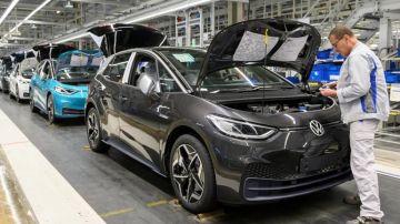 Volkswagen наращивает производство ID.3 и ID.4
