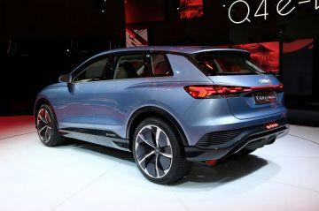 Новая версия Audi Q4 e-tron показалась с новым камуфляжем