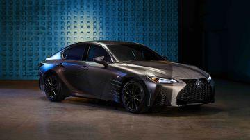 Lexus сделал особый седан IS для геймеров и стримеров