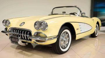Британец выставил на аукцион коллекцию из семи моделей Bentley и одного Chevrolet Corvette
