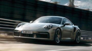 Porsche 911 Turbo S сразилась в драге против Nissan GT-R Nismo и Audi R8 (ВИДЕО)